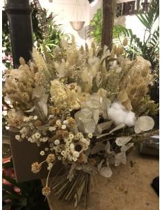 Composición de flores secas